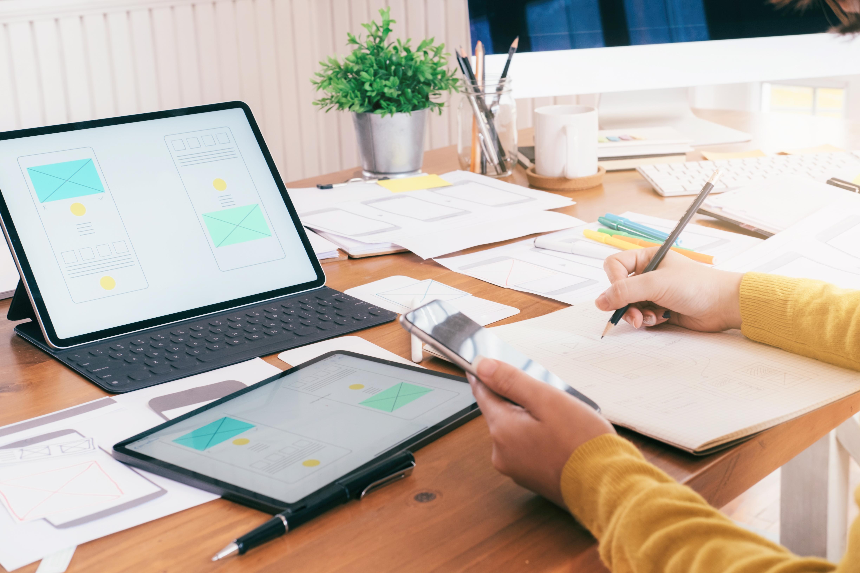 ما هي الأمور التقنية التي يجب أن تتوفر عند تصميم موقع الكتروني لمكتب محاماه ؟