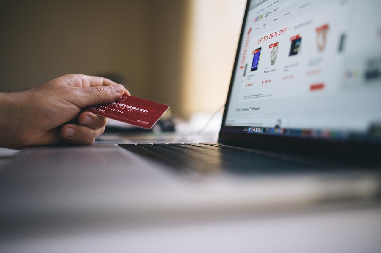 التجارة الإلكترونية في 2021 - ما الاتجاهات التي تنتبه لها؟
